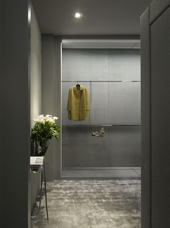 Sara Folch | Closet