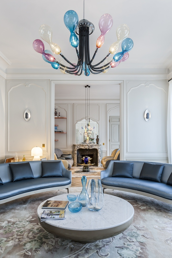Apartment Saint Germain des Prés, Paris by Gérard Faivre -Tempo da Delicadeza