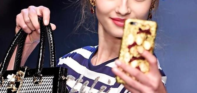 Dolce & Gabbana apresenta em Milão modelos & selfies