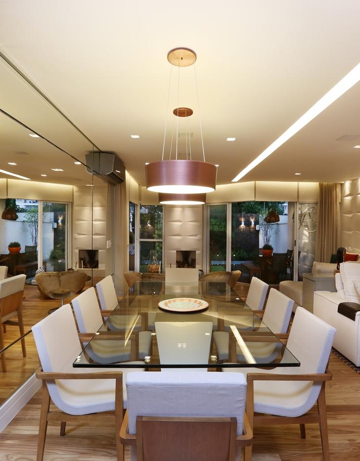 Casa contemporânea por Sesso & Dalanezi
