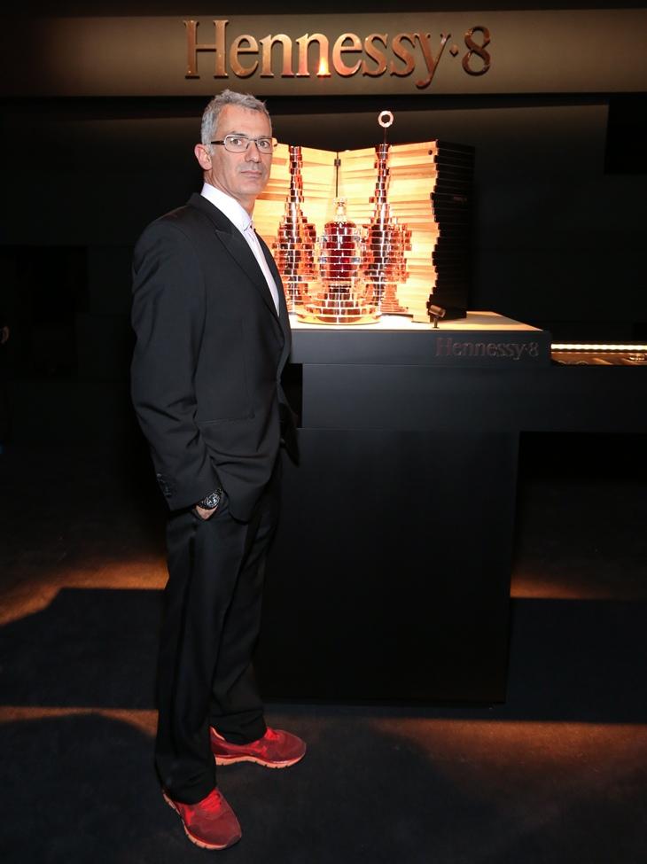 Arik Levy e Hennessy∙8