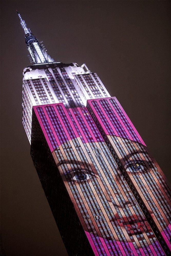 Harper's BAZAAR ilumina Manhattan
