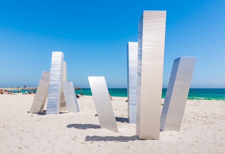 Aliesha Mafrici, Statis III, Sculpture by the Sea, Cottesloe 2017. Photo Richard Watson