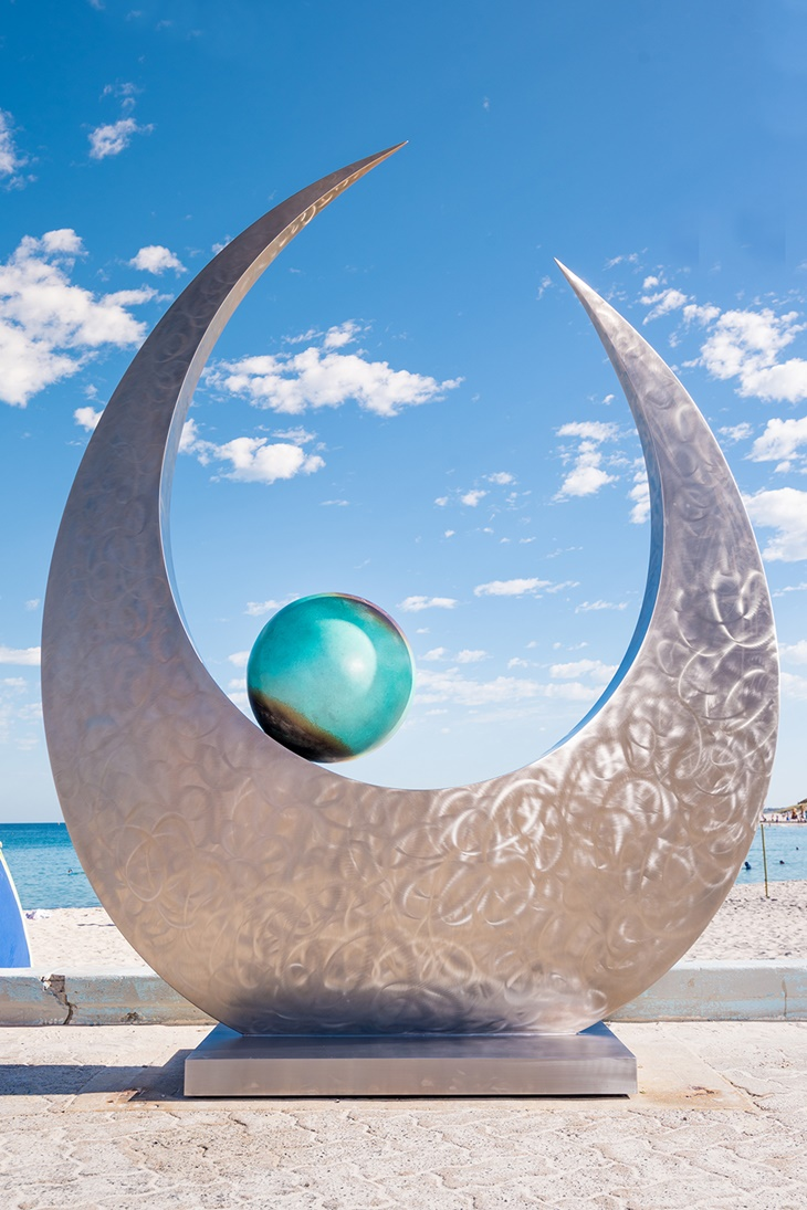 Ben Fasham, Tears of Joy, Sculpture by the Sea, Cottesloe 2017. Photo Richard Watson